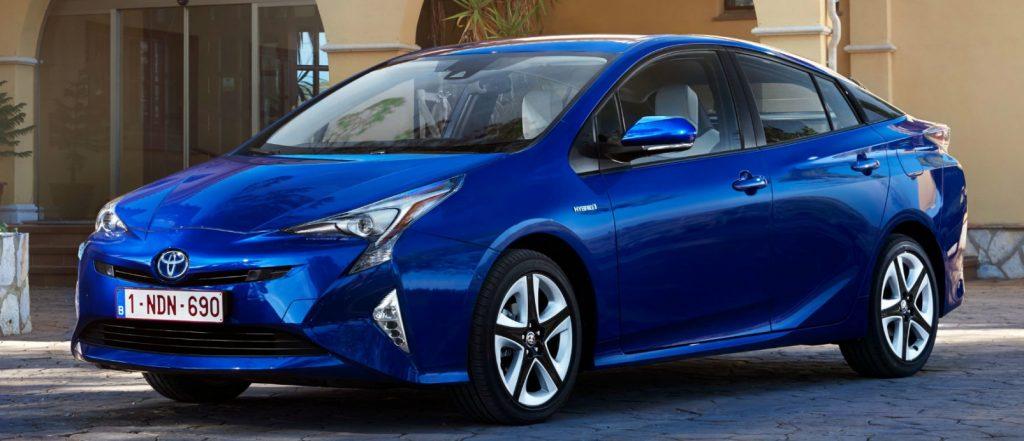 Обзор авто: Toyota Prius