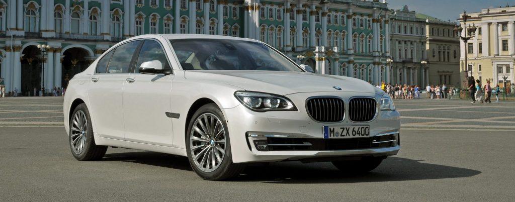 BMW 7 series 2013 - возвращение к старым традициям