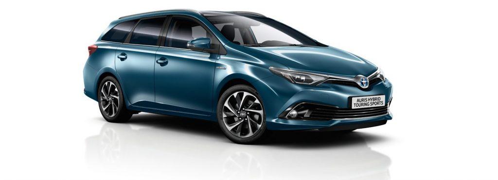 Toyota Auris Hybrid - обзор модели